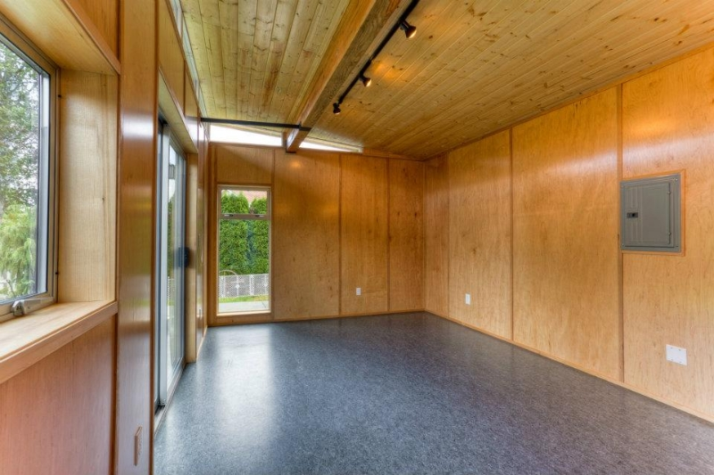 12' x 24' Modern-Shed Guesthouse / Future Sewing Room